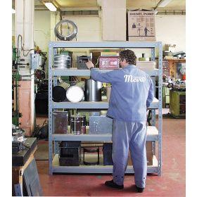 Rayonnages en aggloméré en 4 versions, charge maximale par étagère 320 kg