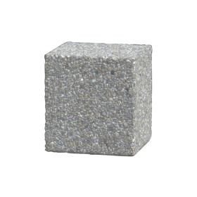 Quadratisches Betonhindernis