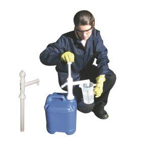 Handpumpe für Kanister bis 30 l, geeignet für Chemikalien und AdBlue®