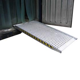 Rampe de chargement simple 4000 mm avec fond perforé en différentes versions