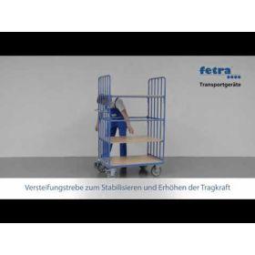 Chariot à plateaux avec tubes verticaux et 4 tablettes de différentes tailles