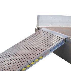 Rampe de chargement simple de 3500 mm avec plancher perforé en différentes versions