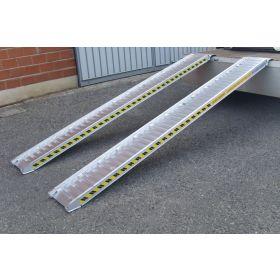Rampes en aluminium 2000 mm, avec ou sans bord, disponibles en différentes largeurs