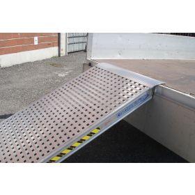 Einzelverladerampe 3000 mm mit geschlossenem Boden in verschiedenen Ausführungen